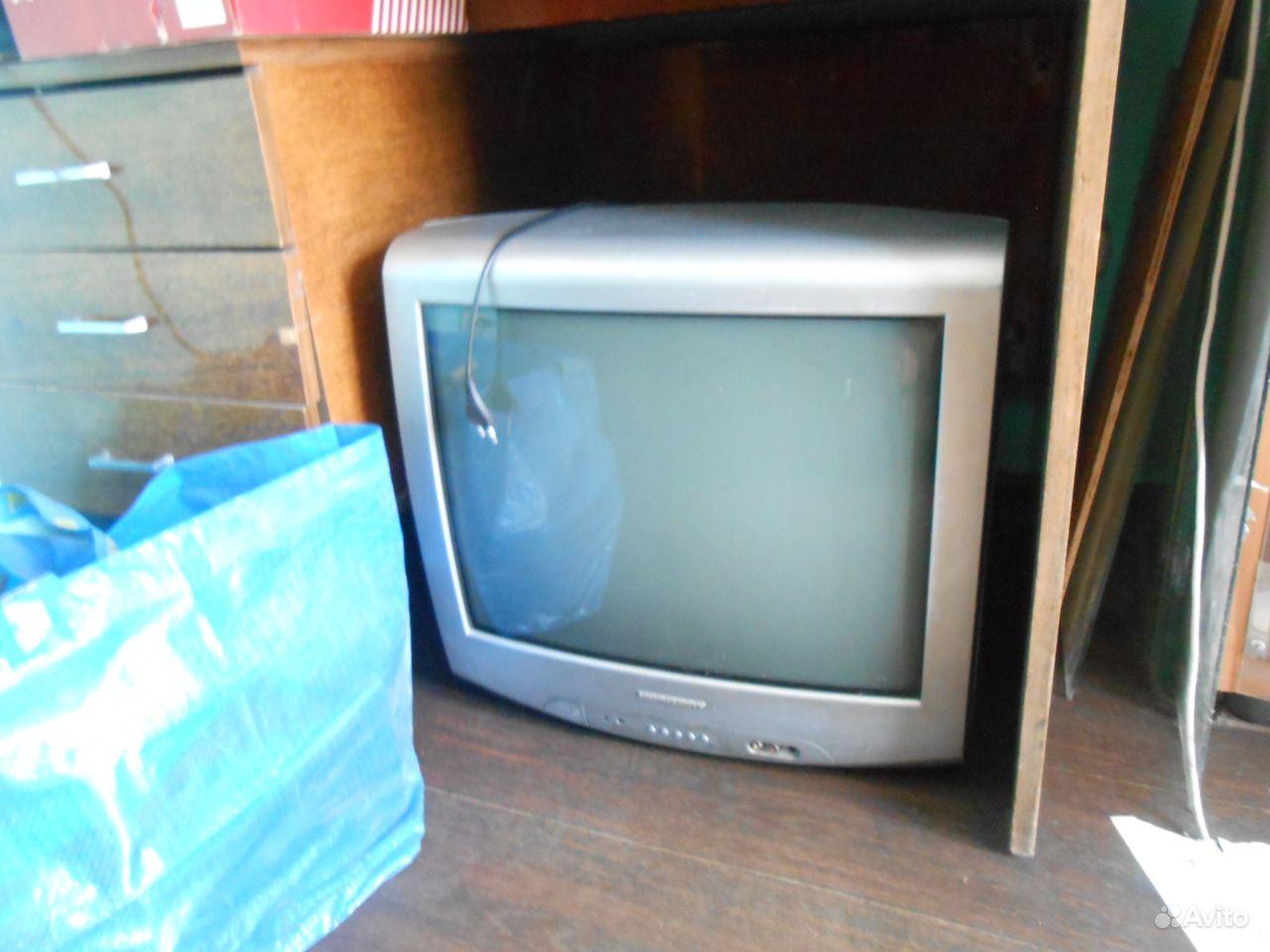 Чёрно-белый лампово-транзисторный телевизор с диагональю экрана 65 см «горизонт» в серийное производство был запущен с года.