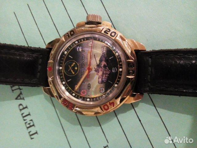 Так, корпус часов может быть выполнен из нержавеющей стали, а для большего шика покрыт позолотой.