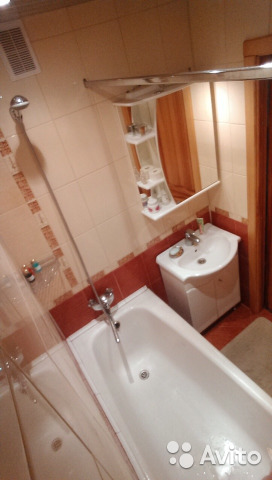 Продается двухкомнатная квартира за 3 300 000 рублей. микрорайон Ветлужанка, Красноярск, улица Петра Словцова, 16.