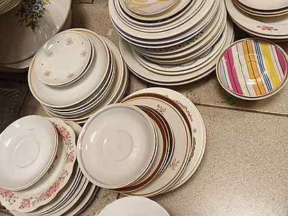 Тарелки и блюдца